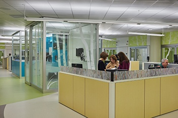 Seattle_Childrens_Hospital_Genius_Wall_ED_Nurse_Station_2_1-1.jpg